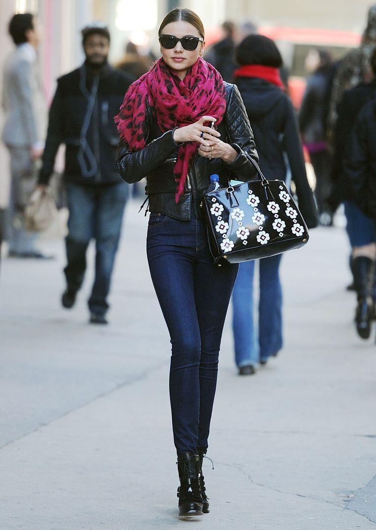 Miranda Kerr gaat zoals gewoonlijk voor de high fashion look
