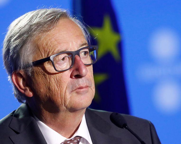 Een regio die zich afscheidt van een EU-lidstaat, plaatst zichzelf buiten de Europese Unie, waarschuwt Jean-Claude Juncker, voorzitter van de Europese Commissie. Beeld REUTERS