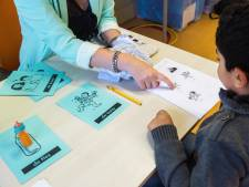 Fors minder geld naar asielzoekersscholen: 'Dit is heel beroerd'