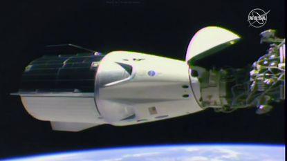 VIDEO. Kijk hoe SpaceX-ruimteschip aan ISS koppelt en bemanning kijkje gaat nemen