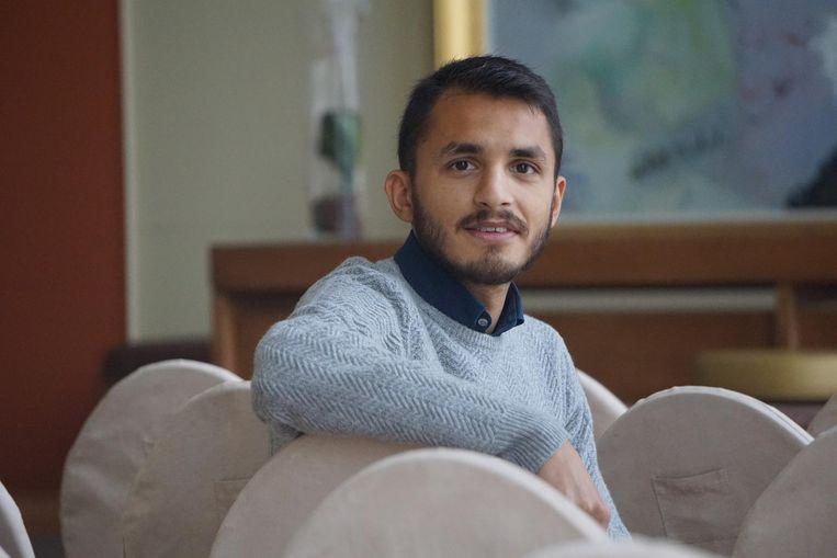 Mohsin Abbas werkt in het dagelijkse leven op het kabinet van schepen Tom Germonpré (sp.a). In 2018 hoopt hij om als stand-upcomedian door te breken.