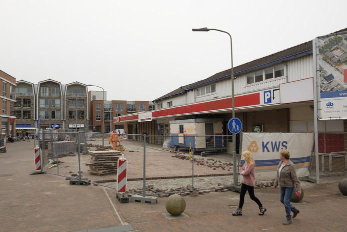 De leegstaande panden die nog gesloopt moeten worden in Elburg.