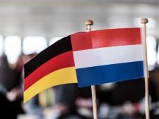 Militaire voertuigen rijden toch door Emmerik: 'Laat die Nederlanders toch hier komen'
