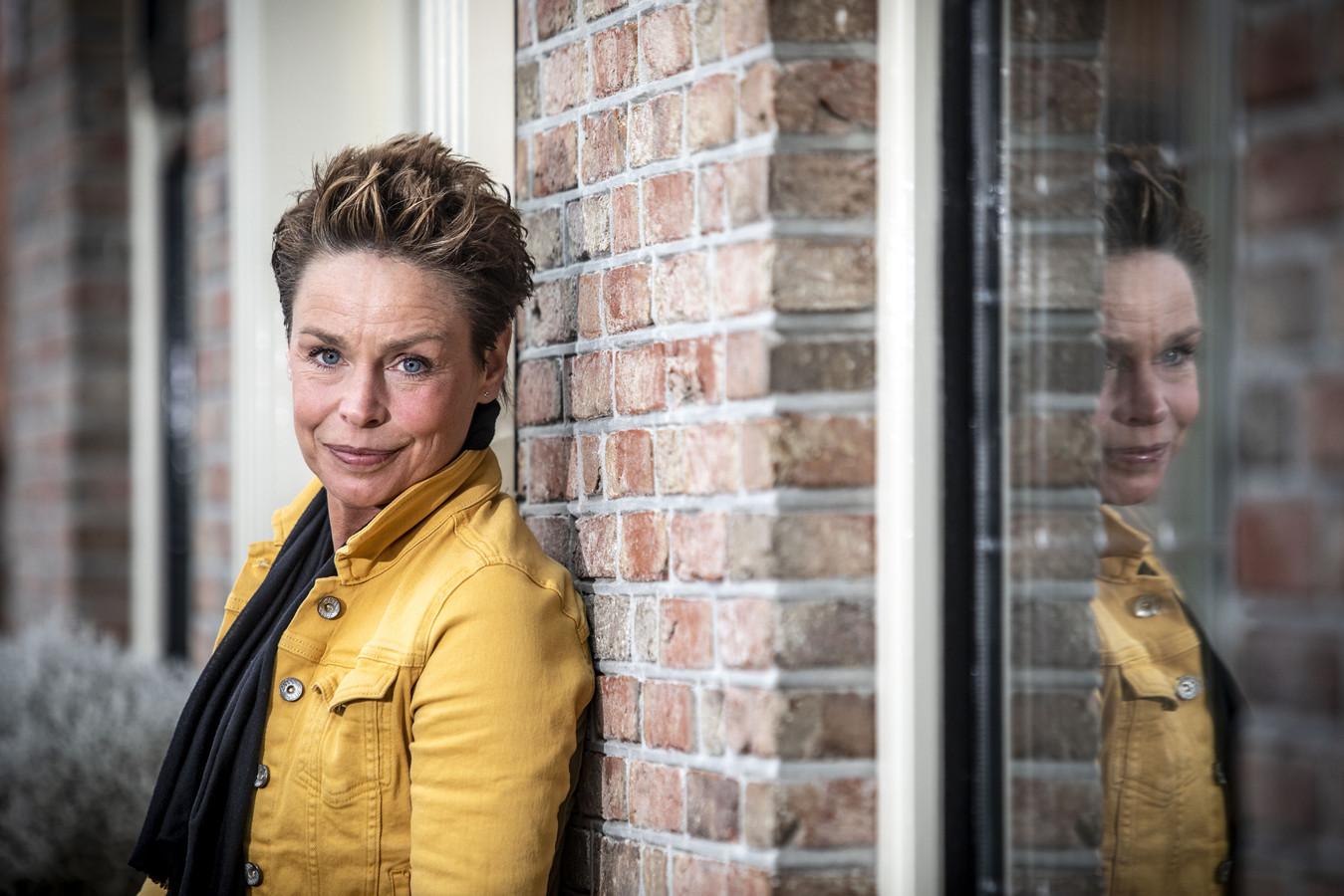 Silvia Rikmanspoel schreef een boek over haar belevenissen en vertelt er nu ook over in bijeenkomsten, zoals morgen in Hengelo.