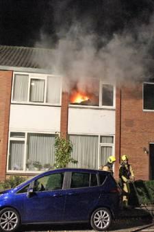 Bewoners met de schrik vrij na brand dankzij surveillerende agent