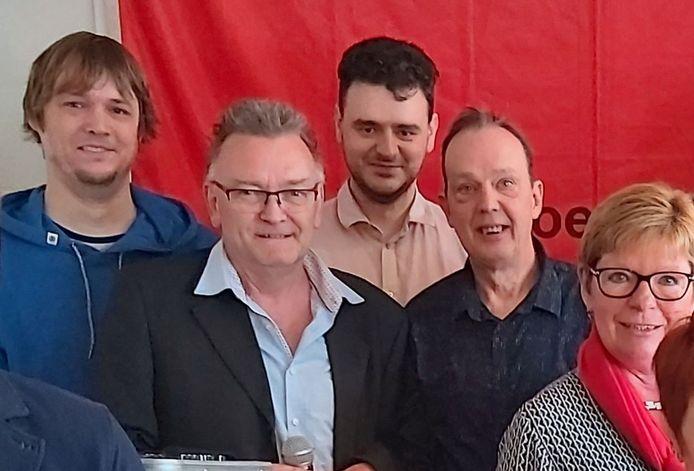 Johan Bollens, tweede van links, met enkele sp.a-bestuursleden, waarbij de betreurde Luc Buccauw