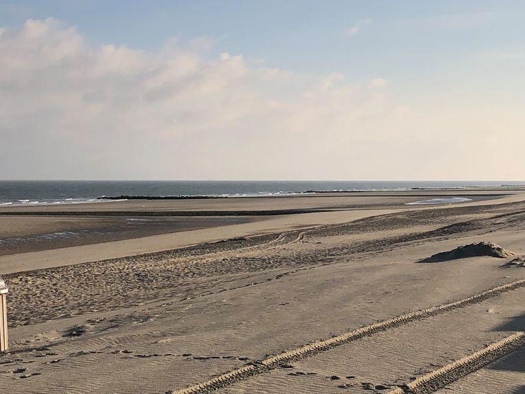 Op donderdag 14 november zal het schip Topaz Installer van P&0 Maritime Logistics voor de eerste maal 'beachen' op het strand ten oosten van strandpost 6.