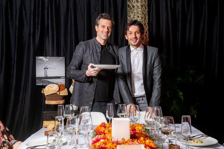 Sergio en Marcelo gaan eerst eten bij hobbykoks thuis. De beste mogen daarna een tijdelijk restaurant openen.