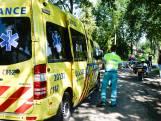 Fietsster en scooterrijdster gewond door aanrijding in Breda