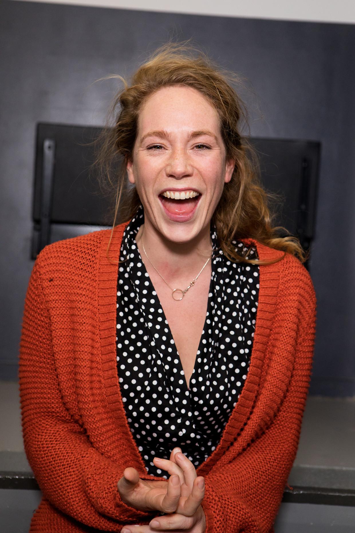Hanne Arendzen in Vijand van het volk van Theatergroep Suburbia.