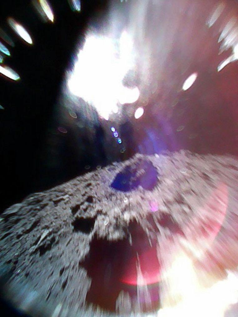 Planetoïde Ryugu vanuit een van de rovers. Beeld EPA