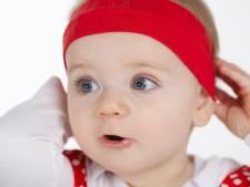 Vrouw luidt noodklok na stikken baby door 'schattig' haarbandje