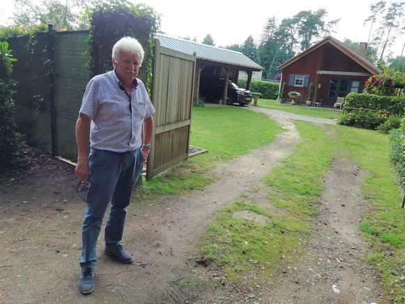 Guido Bellens woont heel tevreden in Zichem, maar de gemeente mag wel eens een riool en waterleiding komen leggen.