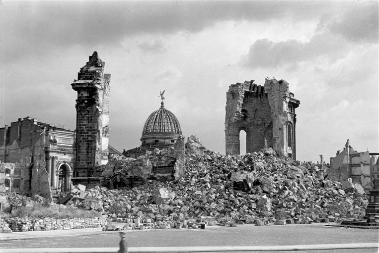 De Frauenkirche in Dresden, na het bombardement van 1945.  Beeld Deutsche Fotothek / ANP