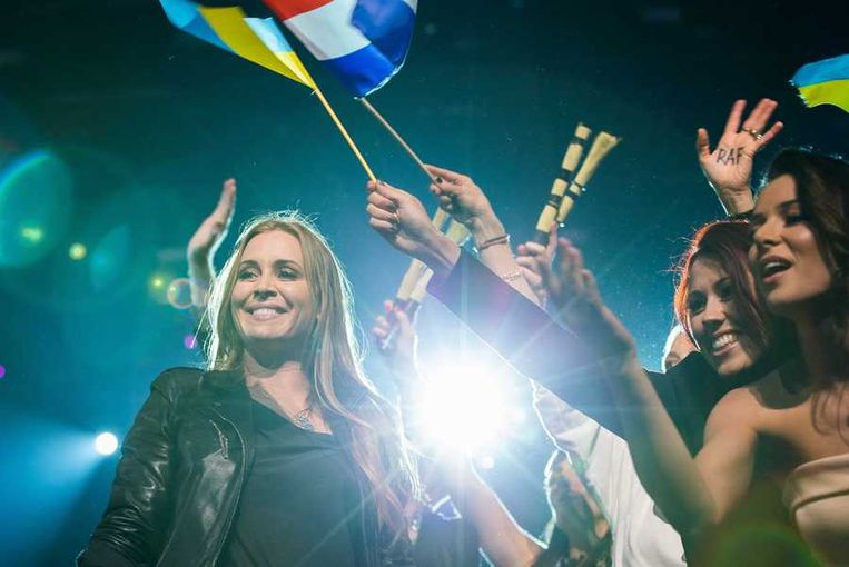 Anouk verovert een plek in de finale van het Songfestival. Beeld anp
