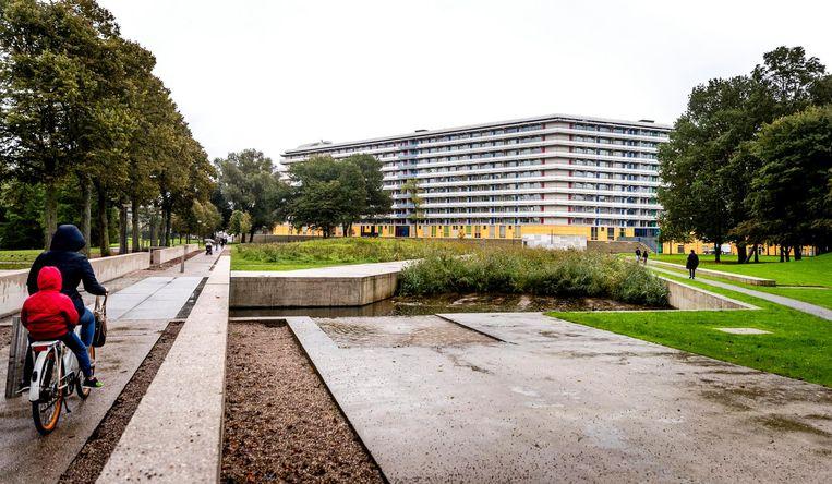 Beeld van dit jaar: de herdenkingsplek van de crash in de Bijlmermeer. Beeld anp