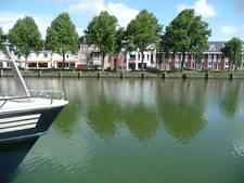 Water Zuid-Willemsvaart kleurt groen door blauwalg