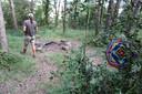 Hier verbleef Jos Brech sinds eind mei. In een hangmat tussen twee bomen, bij een kampvuur, bij een yoga-commune in de buurt van het dorpje Castellterçol. Op de foto de eigenaar van het huis, die hem aan de politie overdroeg.