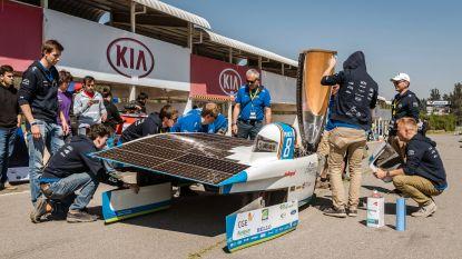 Belgische zonnewagen uit de bocht in Chili