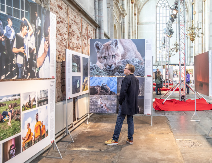 DS-2019-8480Zwolle World Press Photo expositie in de Grote Kerk FotoPersBuro Frans Paalman Zwolle ©2019