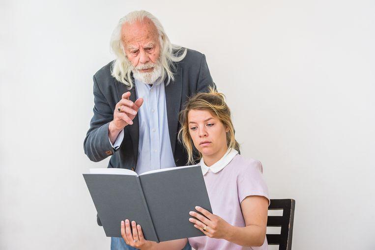 Bram van der Vlugt en Sarah Bannier in De Les van Eugène Ionesco Beeld Pascal Fielmich