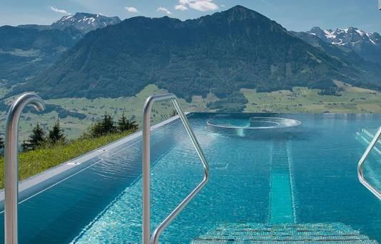 Met uitzicht op de Zwitserse bergen