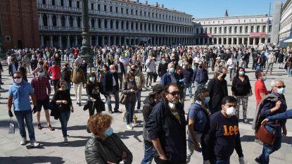 Lockdown in Italië versoepeld: flashmob op San Marcoplein zorgt voor drukte