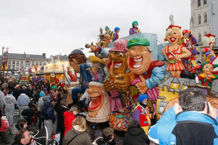 De stoet in Tienen is de eerste van het jaar in Vlaams-Brabant. De carnavalisten willen dat ook zo houden.