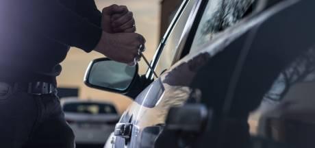 Vermoedelijke autokraker gearresteerd, maar bij welke auto's brak hij in?