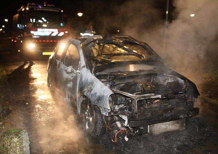 Autobrand bij de Paardensteeg in Vught.