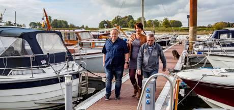 Boten Deventer jachthaven vanwege lage waterstand nog niet naar winterstalling