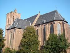 Uitvaartdienst Wim Magré ook via beeldscherm in tweede kerk te volgen