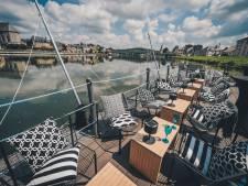 Montez à bord de la Terrasse Givet, une parenthèse inédite sur la Meuse