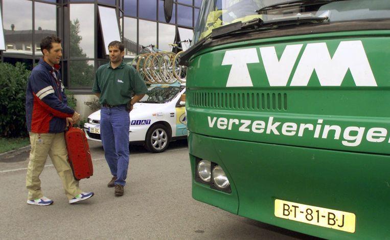 TVM-sprinter Jeroen Blijlevens stapt in 1998 uit de Tour. Beeld anp
