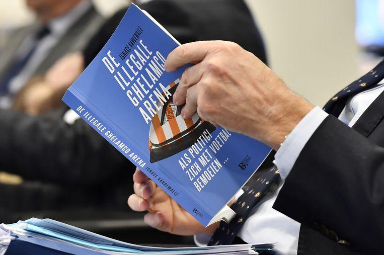 Dit boek leidde tot een strafklacht én een burgerlijke klacht van Daniël Termont tegen de auteur