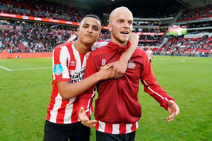 Mohamed Ihattaren en Jorrit Hendrix, in betere sportieve tijden bij PSV.
