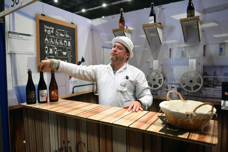 Ook brouwerij Groenendael had een prachtig standje dat het brouwproces voorstelde.
