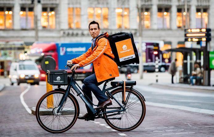 Na Uber Eats gaat ook Thuisbezorgd.nl met eigen bezorgers rondrijden in Dordrecht.