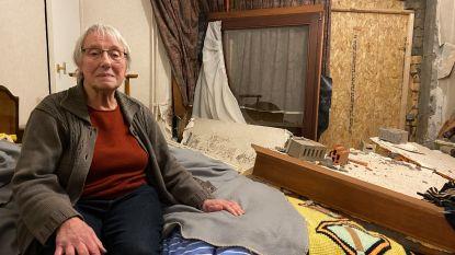 """Christianne (78) ontsnapt aan dood nadat bestelwagen slaapkamer binnenrijdt: """"Ik was pas vijf minuten eerder opgestaan"""""""