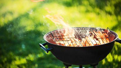 Cosmos haalt de barbecue boven