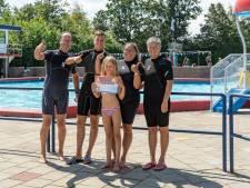 Limburgse Chelsy (9) leert zwemmen in Zeeland