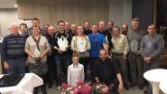 Café De Reisduif zet duivenkampioenen in de bloemetjes