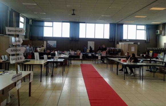 De leerlingen van het Onze-Lieve-Vrouwe instituut Poperinge en Popshop vzw organiseren tot vrijdag hun eerste Outlet Beurs.