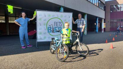 Met de fietsbieb meer Genkenaren op de fiets