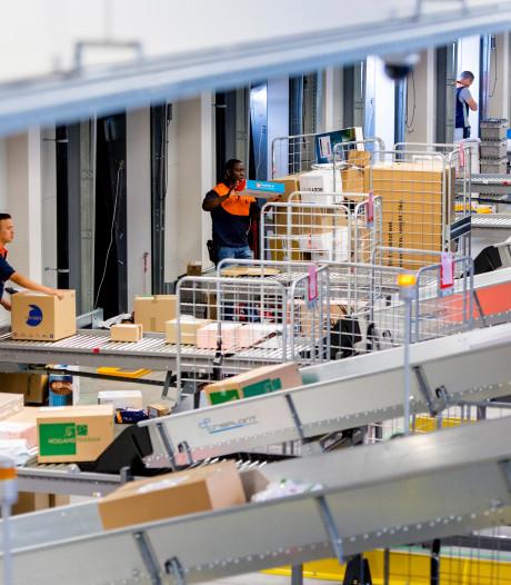 PostNL stopt met 'schijnconstructies' rond onderbetaald sorteerpersoneel
