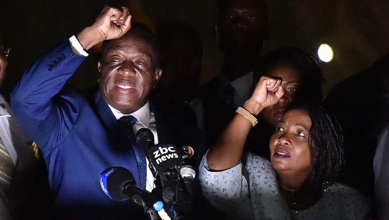 Emmerson Mnangagwa en zijn vrouw Auxilia woensdag in Harare. Beeld afp