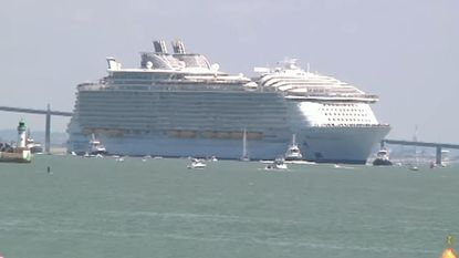 Een drijvende stad van 1 miljard: een cruiseschip van 84 voetbalvelden