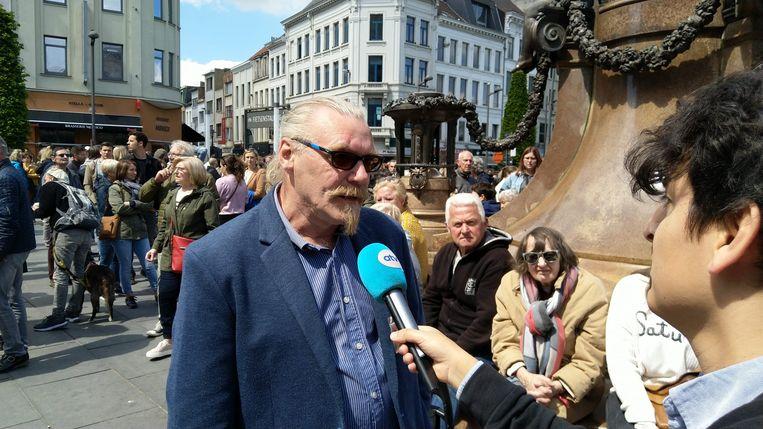 Trouw op post tijdens de mars tegen seksueel geweld in Antwerpen: Eric Geijsbregts.