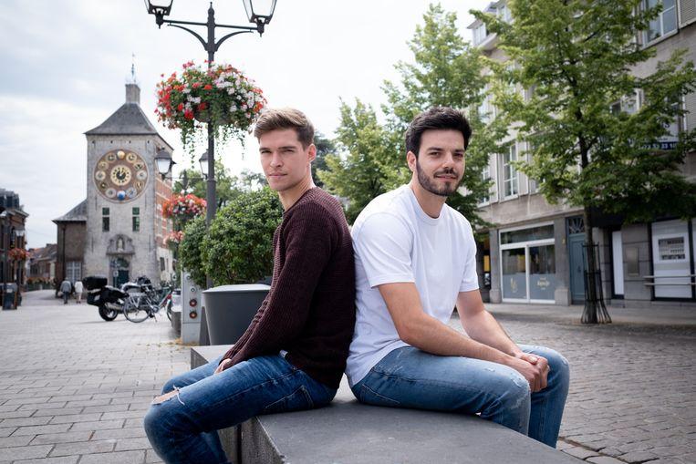 Christoph Dierckx en Sasha Pauwels poseren op het Zimmerplein.