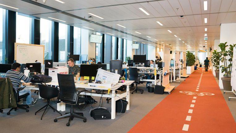 Het hoofdkantoor van Booking.com komt voor in online lijstjes met titels als 'Top-10 coole kantoren in Nederland'. Beeld Ivo van der Bent